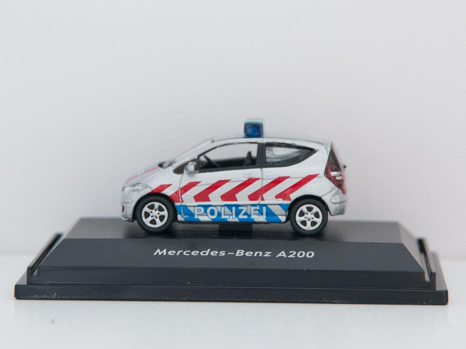 """Welly 73110P1-SW  Mercedes Benz A200 """"Polizei"""""""