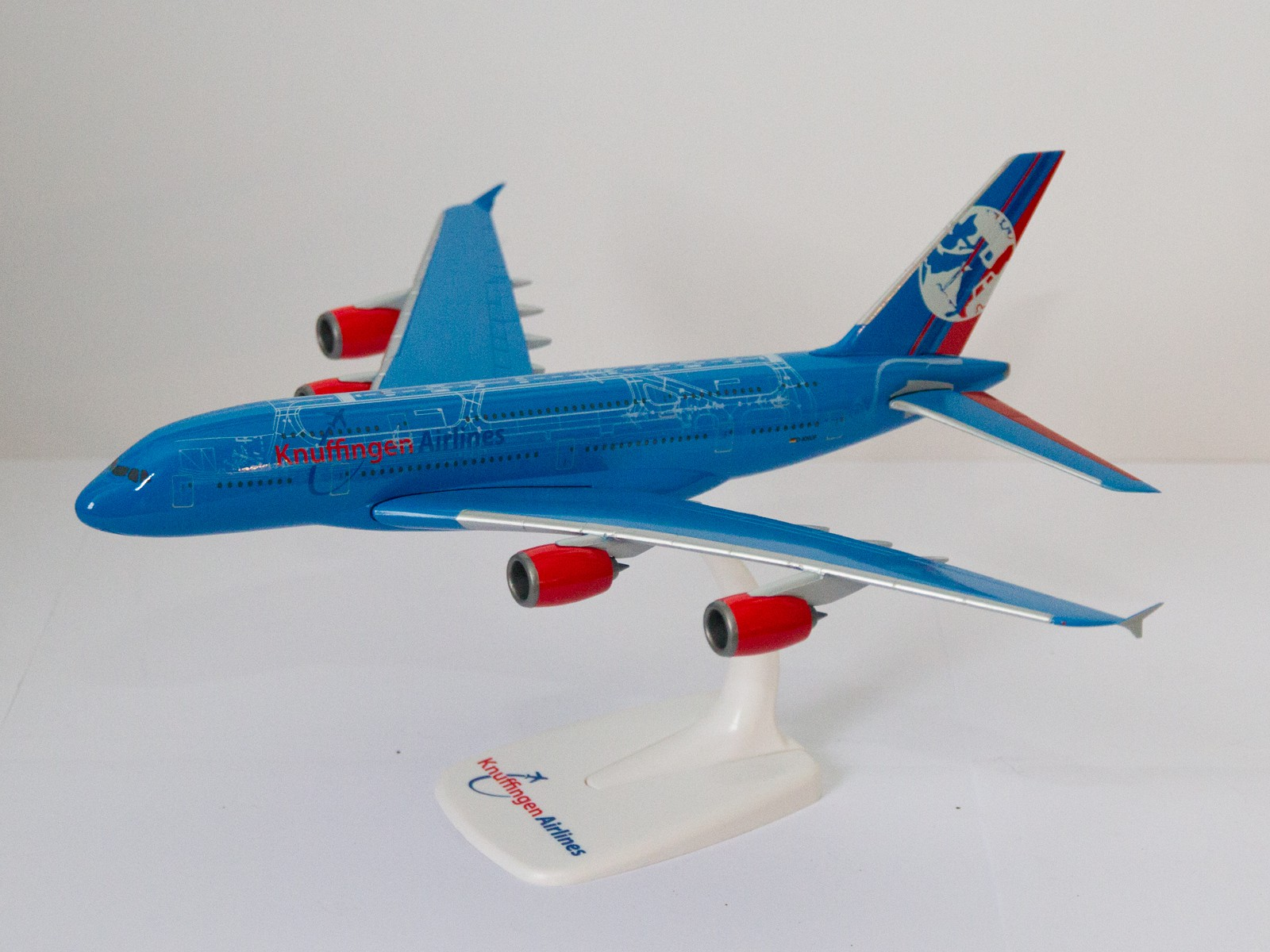 """Herpa 609326 A 380 """"Knuffingen Airlines"""" 1:250"""