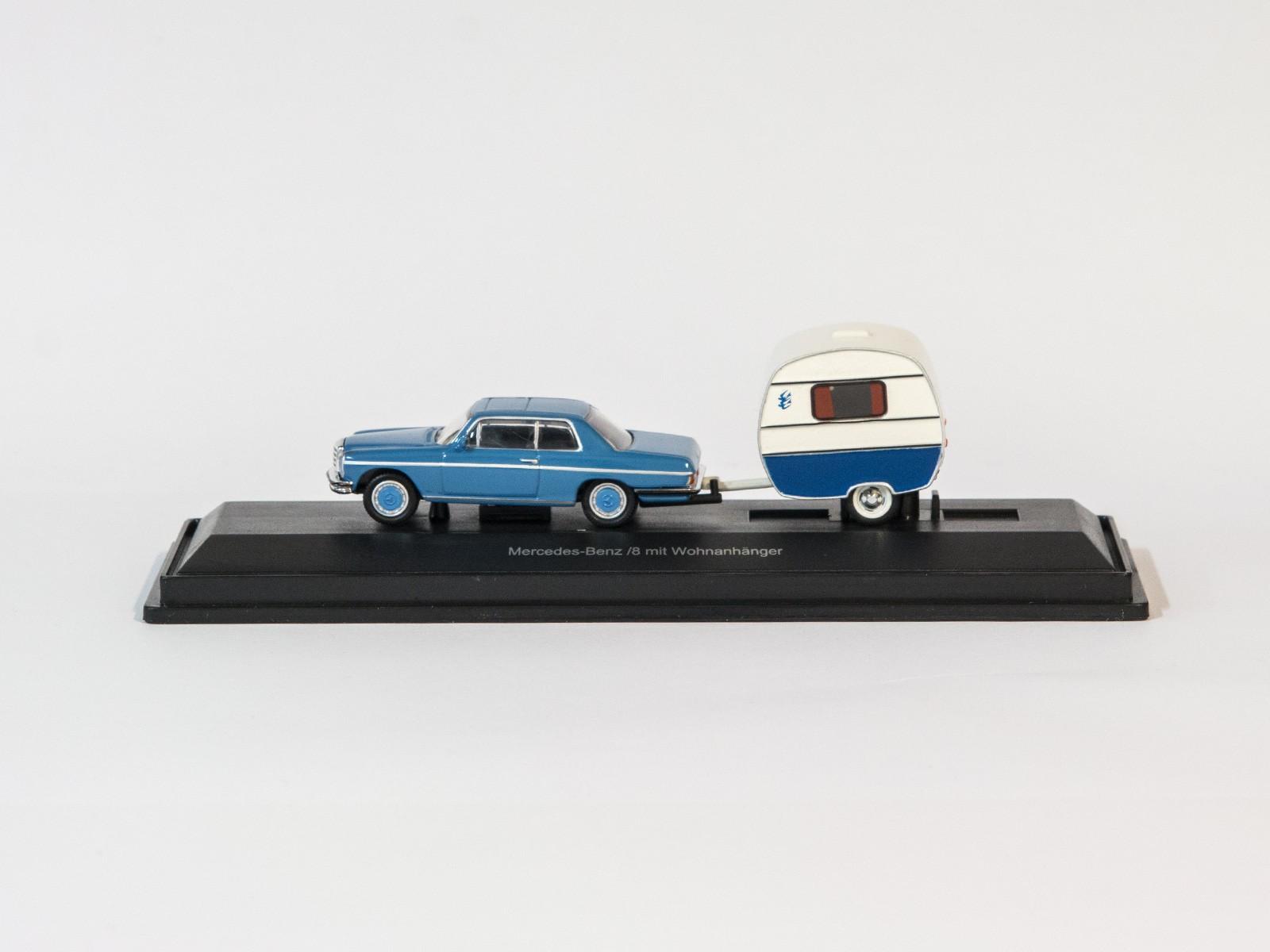 Schuco 452615200  Mercedes-Benz /8 mit Wohnanhänger