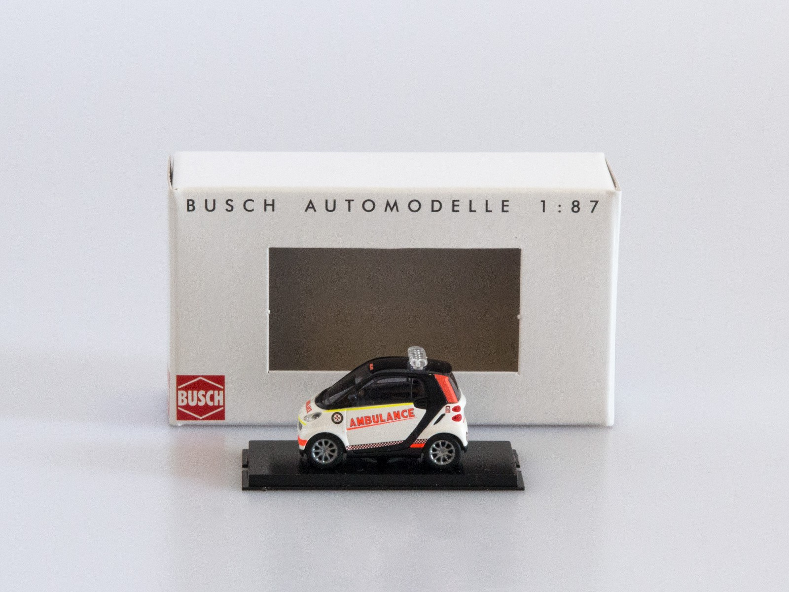 "Busch H0 46162 Smart Fortwo 2007 ""Ambulance"""