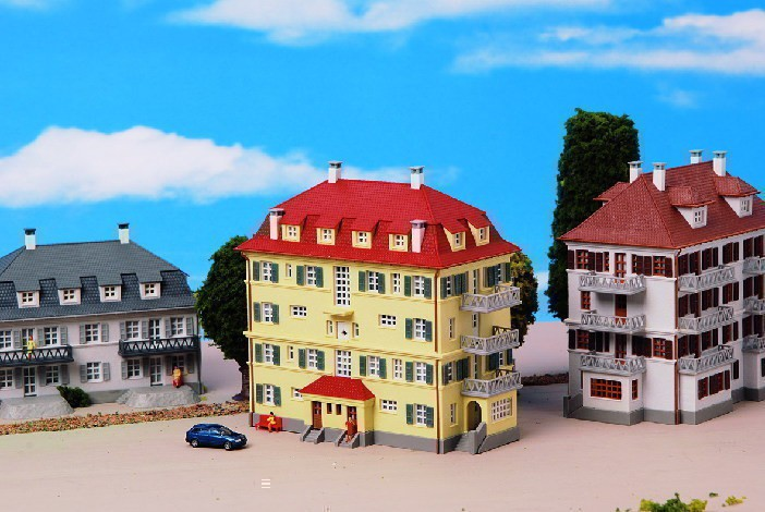 Kibri 7165 N Mehrfamilienhaus m. Balkon