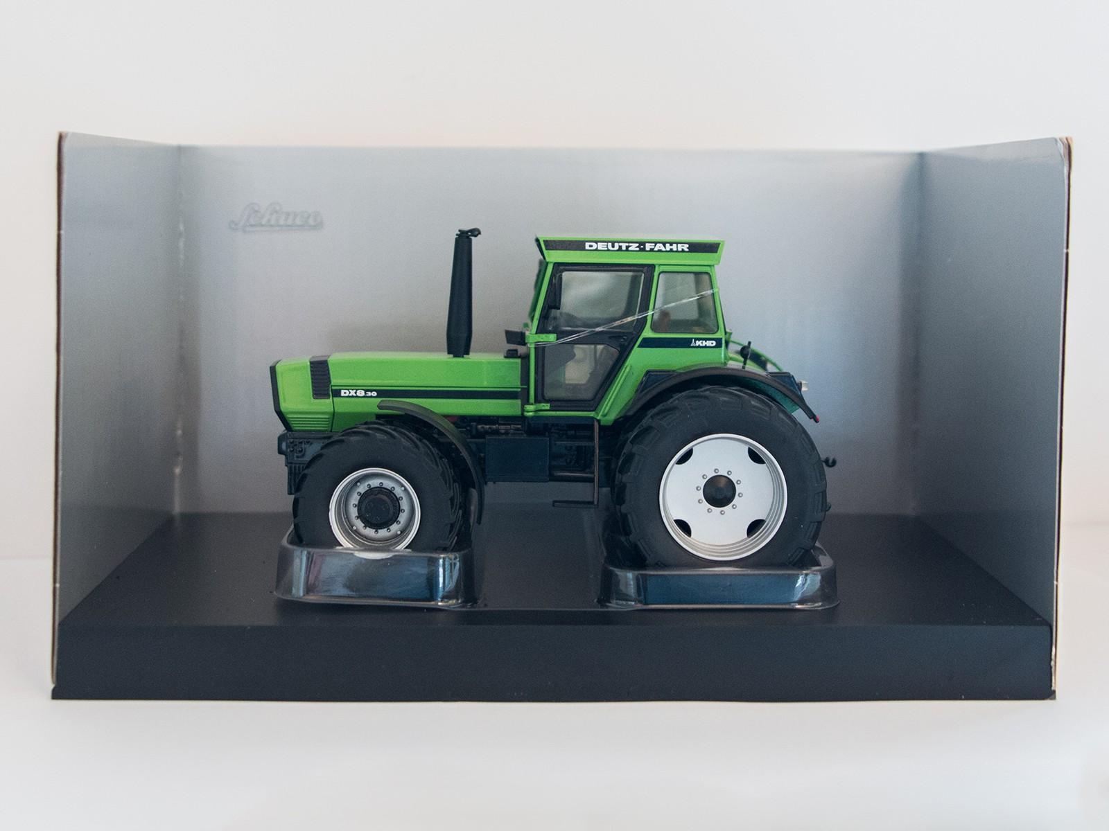Schuco 07687 Deutz-Fahr DX 8.30 grün 1:32
