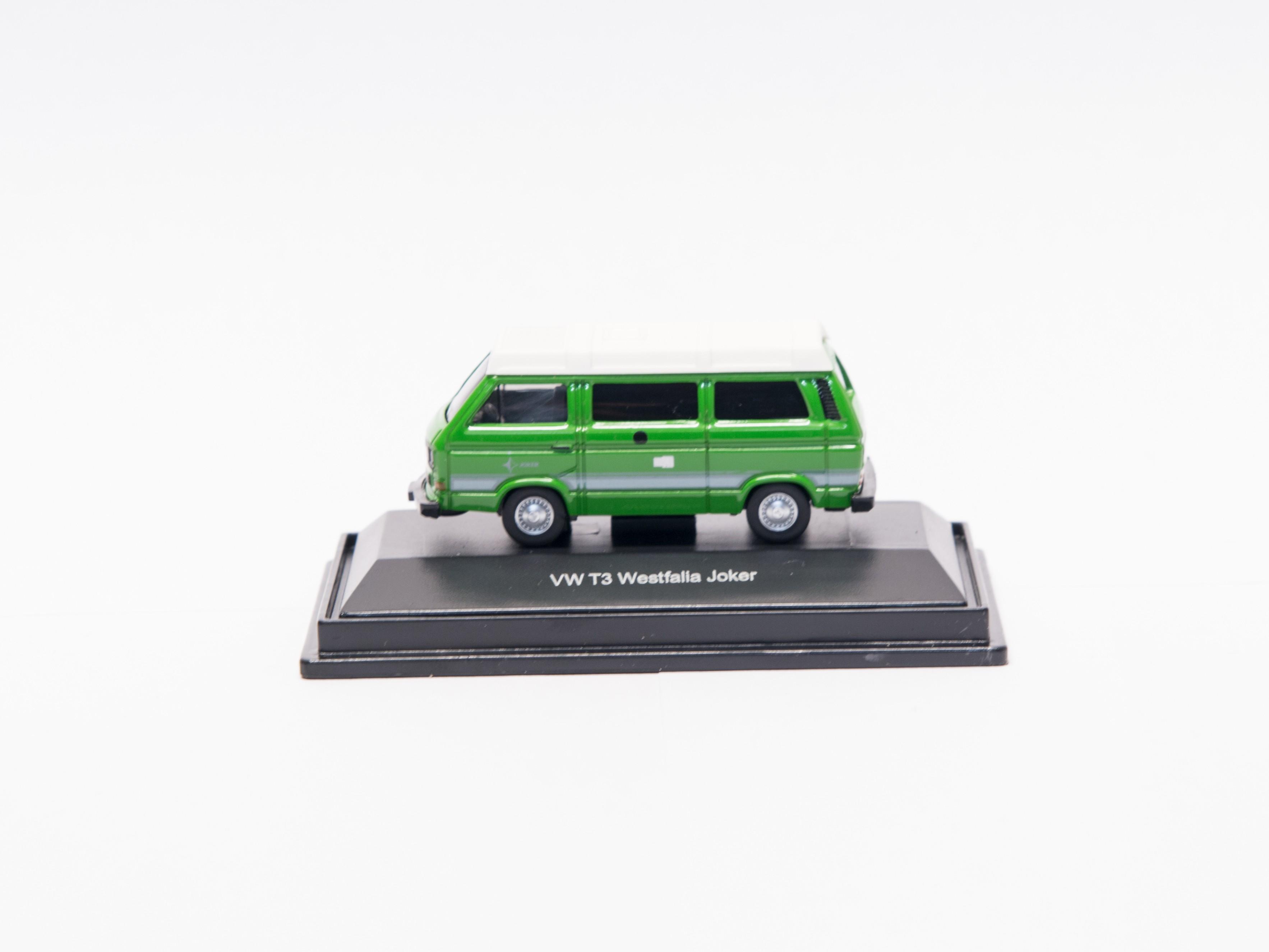 Schuco 452614100  VW T3 Camper  (grün)