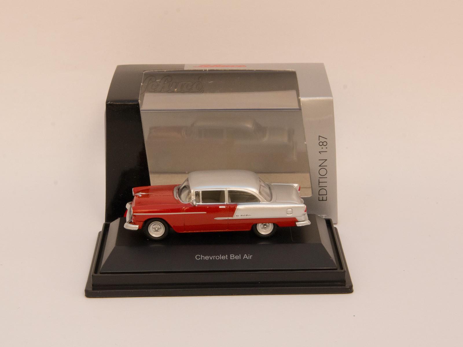 "Schuco 452617500 Chevrolet ""Bel Air"" rot/silber"