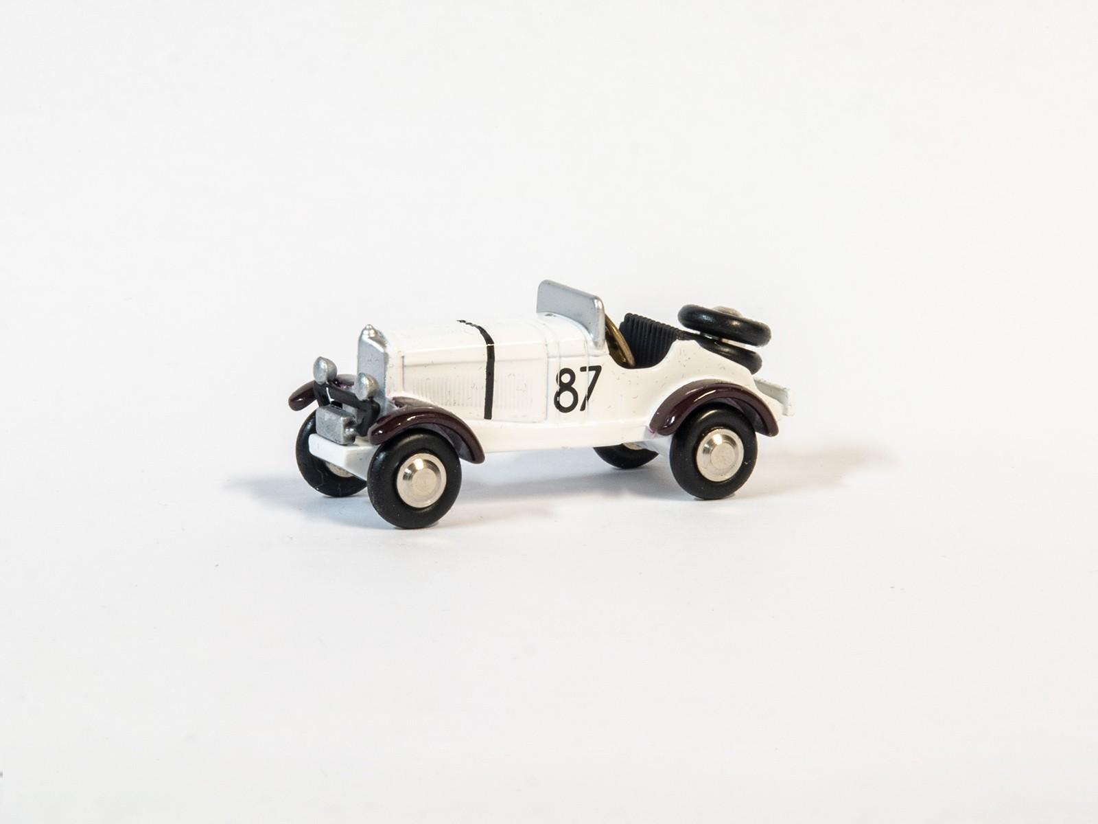 Schuco Piccolo 57350 1:90 Mercedes Benz  SSKL #87 weiß