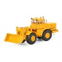 Schuco 450770900 Kirovets K-700 M - gelb 1:32